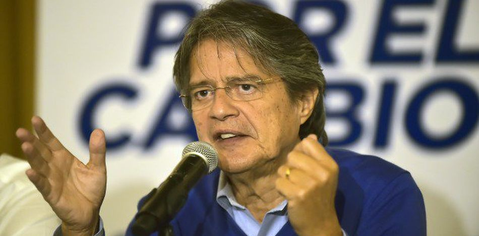 Opposition candidate Guillermo Lasso has promised to call attention to the dire situation in Venezuela (