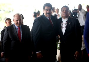 Samper, Maduro, and Rafael Correa in an UNASUR meeting in December 2014