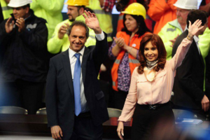 Scioli appeared next to President Kirchner in several nationwide TV broadcasts. (BonelliOk)