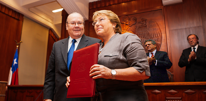 constitution-michelle-bachelet-chile