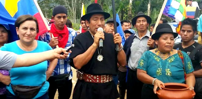 The indigenous peoples in Ecuador demand the government of President Rafael Correa to archive the constitutional amendments that would allow his indefinite reelection. (Corape Satelital)