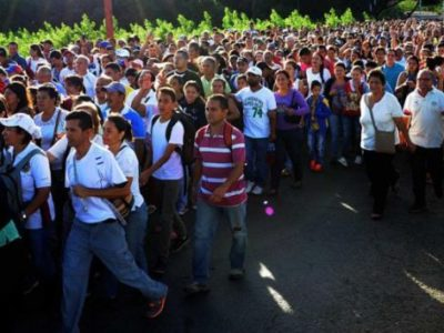 It is not a marathon: it is an avalanche of Venezuelans wanting to buy in Cúcuta the day the Government opened its borders (EfectoCocuyo)