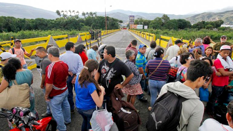 Venezuelan authorities have so far deported over 1,000 Colombians living near the border.