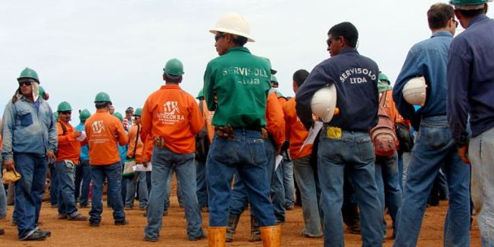 Colombian companies have allegedly asked for permission to layoff workers as the economy stagnates.