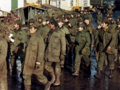 ft-falklands-argentina-soldiers