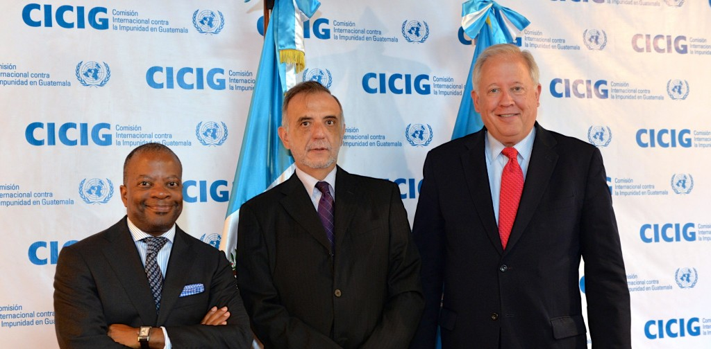 US Ambassador Todd Robinson (left) and Secretary of State Counselor Thomas Shannon flank and give their support to the UN Impunity Commission, the CICIG. (US Embassy Guatemala)
