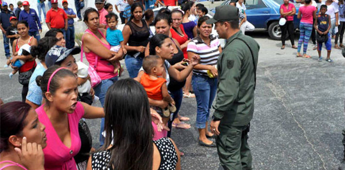 Venezuelans Offer Rent-a-Baby Service to Skip Shopping Lines