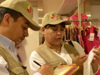 President of Venezuela, Nicolás Maduro, orders inspection teams to make sure store owners sell items at government-mandated prices. (SUNDDE)