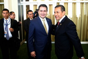 Honduran president Juan Orlando Hernández and his Peruvian counterpart, Ollanta Humala, held a meeting in New York City.
