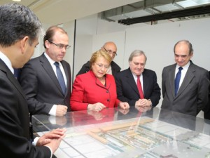 Michele Bachelet presenting infrastructure plan. (Viabilidad Chile)