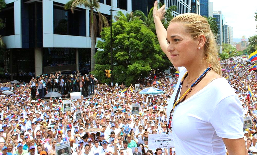 "Many thousands of Caracas residents came together with Leopoldo López's wife Lilian Tintori (pictured) to demonstrate their support for her husband and other political prisoners in Venezuela. (<a href=""https://www.facebook.com/liliantintorioficial/photos/pb.135171103876.-2207520000.1433080716./10152987668378877/"" target=""_blank"">Lilian Tintori</a>)"