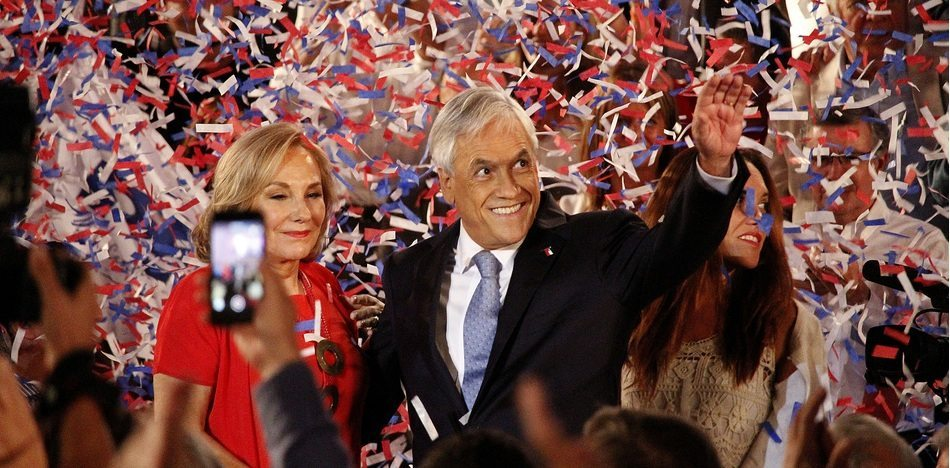 """If Sebastián Piñera can """"wake up"""" non-voters, he could become Chile's next president, if he can't he will be wiped out by his leftist rivals. (Flickr)"""