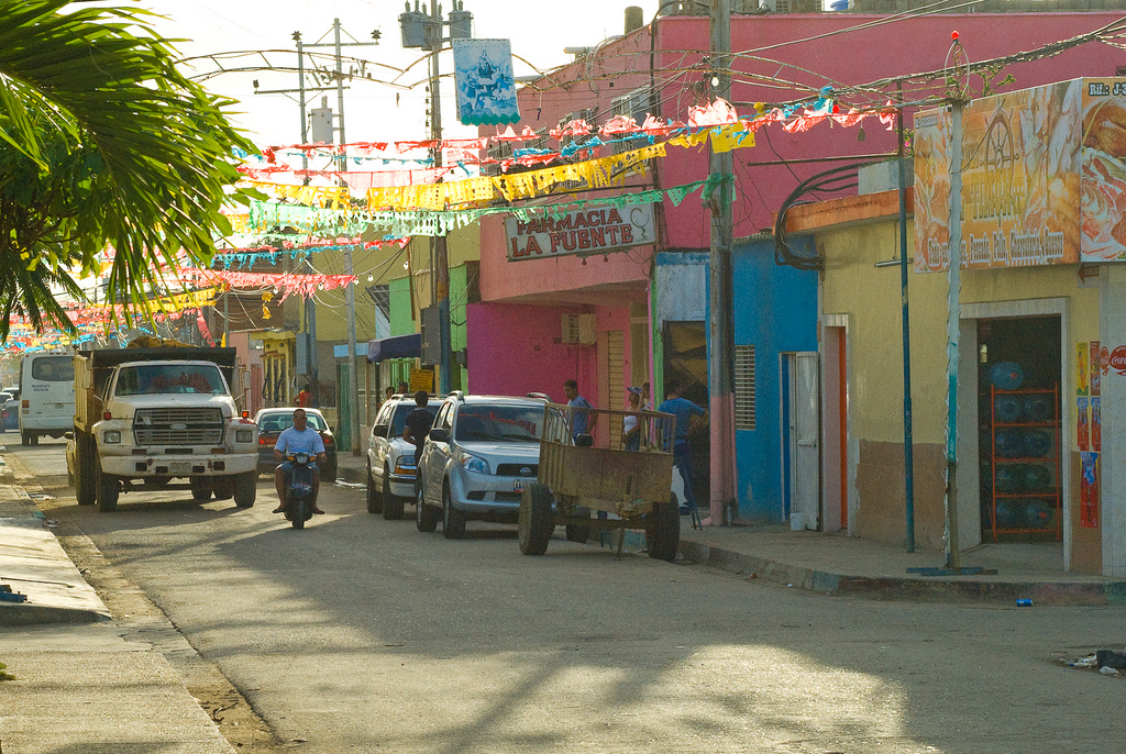 Tucacas is a town of contrasts. In addition to vacation spots, it is plagued by insecurity.