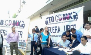 Taxi drivers demanded Mexico City's attorney general's office to close thei ride-sharing mobile-apps Uber and Cabify.